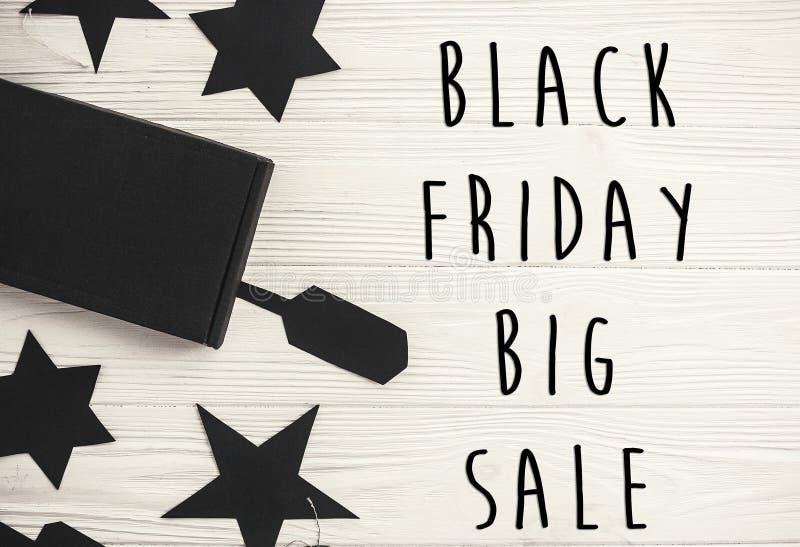 Grand signe des textes de vente de Black Friday, configuration plate minimalistic spécial photo libre de droits