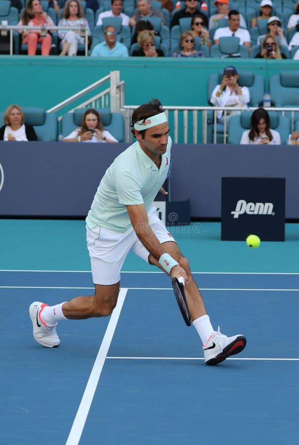 Grand Slam mästare Roger Federer av Schweiz i handling under hans runda av match 16 på öppna Miami 2019 arkivfoto