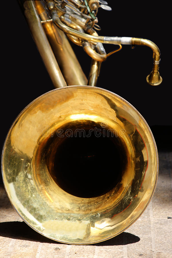 Grand tuba bas images libres de droits