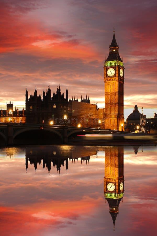 Grande Ben in sera, Londra, Regno Unito immagini stock libere da diritti