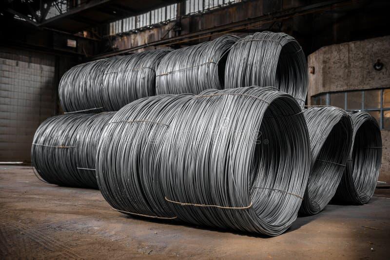 Grande bobina do fio de alumínio imagem de stock
