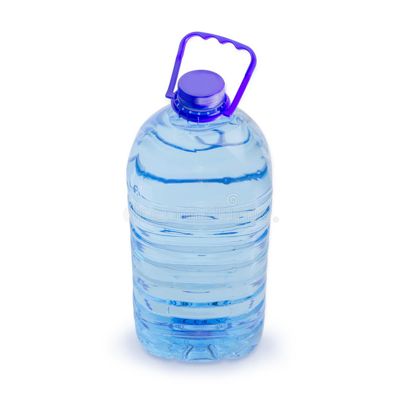 Grande bouteille transparente en plastique d'eau potable  images stock