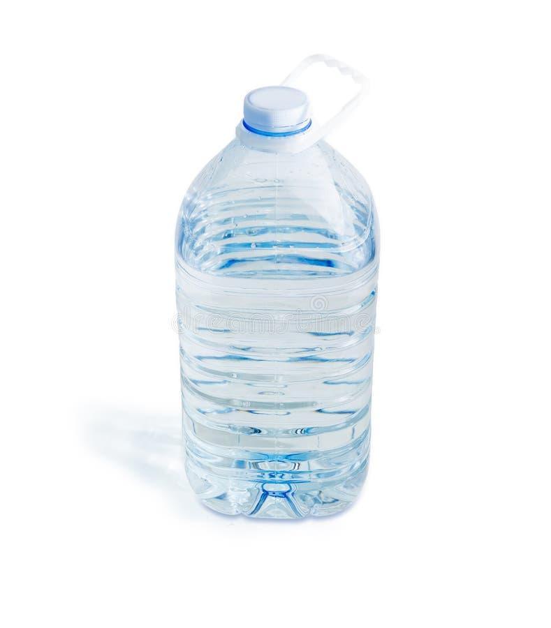Grande bouteille transparente en plastique d'eau potable  photographie stock