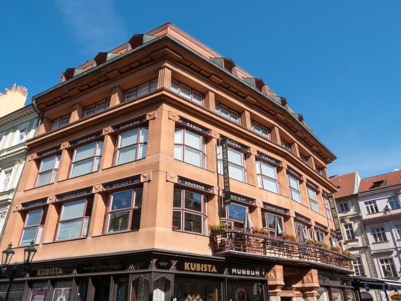 Grande caffè Oriente del cubista a Praga, repubblica Ceca fotografia stock