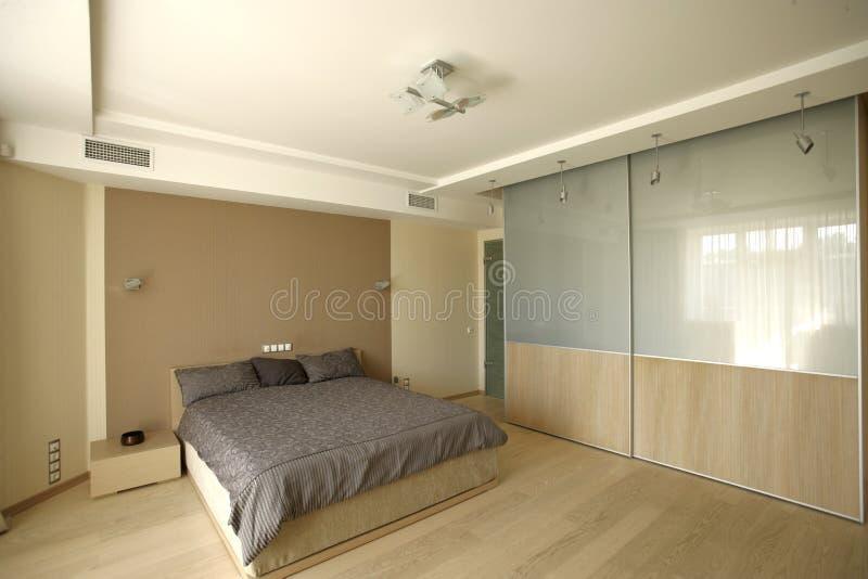 Grande camera da letto immagini stock
