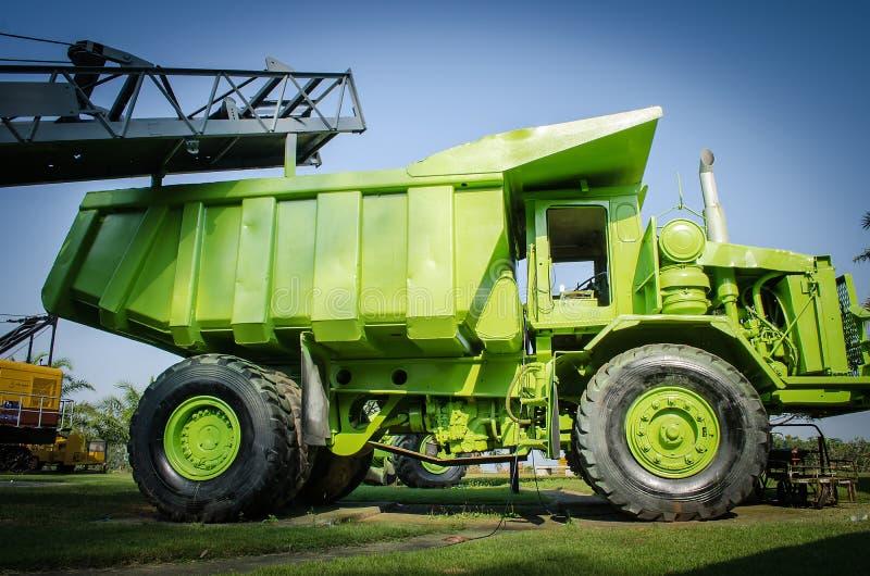 Grande camion della trazione fotografia stock