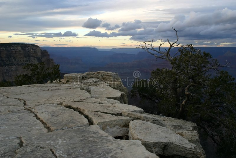 Grande canyon al crepuscolo immagini stock libere da diritti
