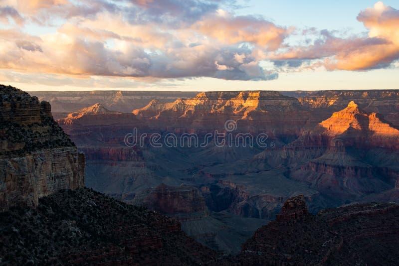 Grande canyon al crepuscolo fotografia stock libera da diritti