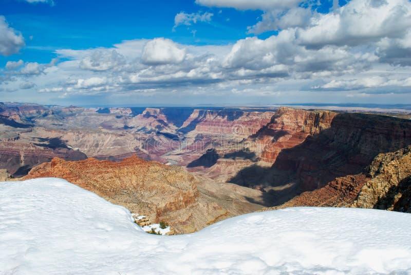Grande canyon in inverno dall'orlo del sud immagine stock