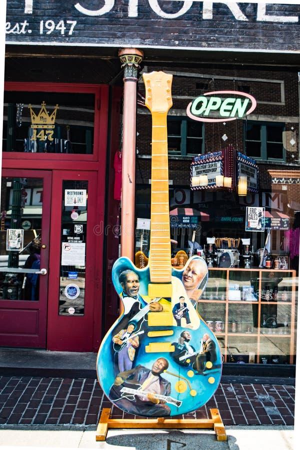Grande capitulação artística de uma guitarra dos azuis imagem de stock
