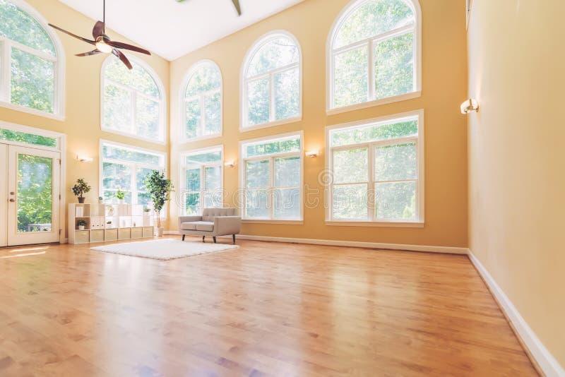 Grande casa interior luxuosa foto de stock royalty free