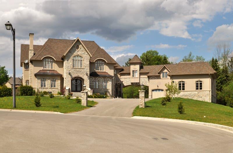 Grande casa luxuosa foto de stock