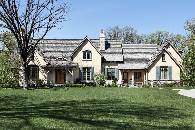 Grande casa suburbana fotografie stock