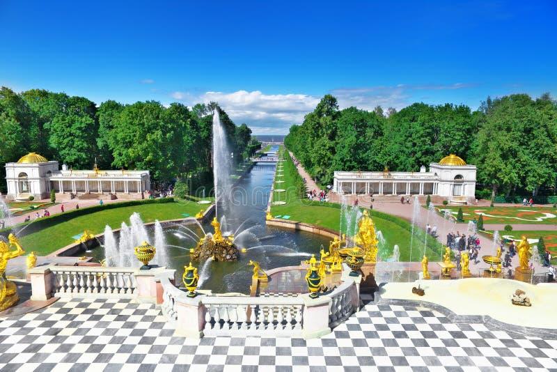 Grande cascata in Pertergof, St-Pietroburgo immagine stock