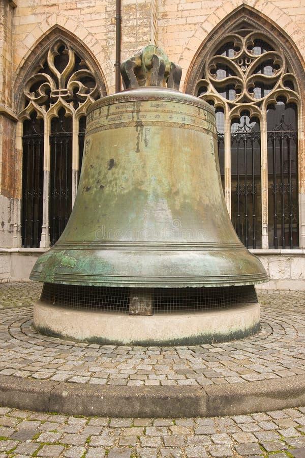 Grande cloche en bronze photographie stock