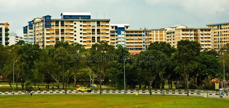 Grande complexo de apartamentos imagens de stock