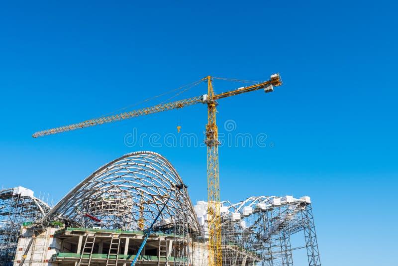 Grande construction d'une nouvelle installation photo libre de droits