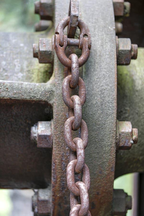 Grande corrente oxidada do metal fotografia de stock royalty free