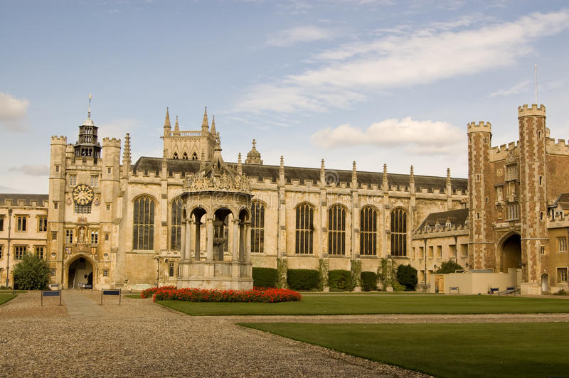 Grande corte, faculdade da trindade, Cambridge imagens de stock