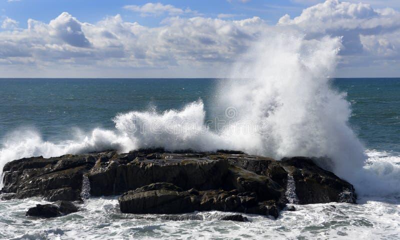Grande costa di California delle onde fotografie stock