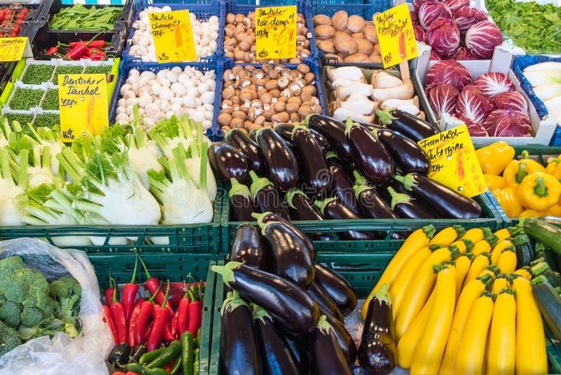 Grande escolha dos vegetais para a venda fotos de stock royalty free