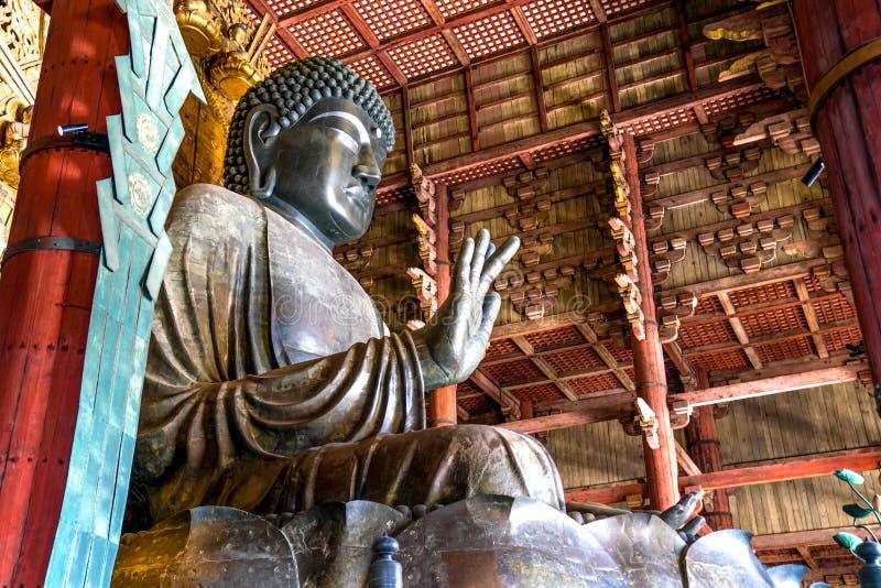 Grande estátua de bronze da Buda no templo de Todaiji, Nara Prefecture, Japão fotografia de stock