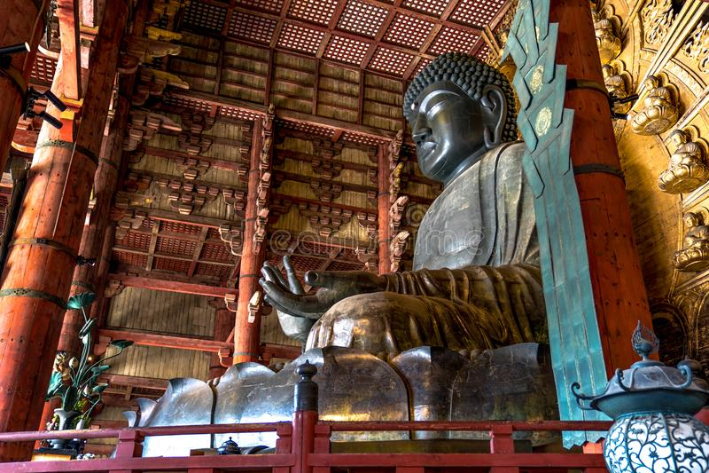 Grande estátua de bronze da Buda no templo de Todaiji, Nara Prefecture, Japão fotos de stock royalty free