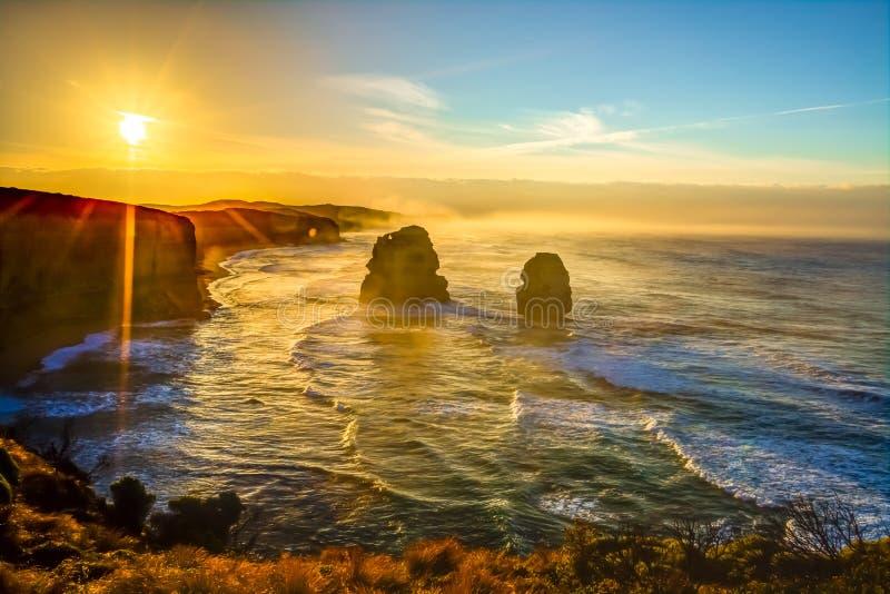Grande estrada do oceano no por do sol: Gibson Steps foto de stock royalty free