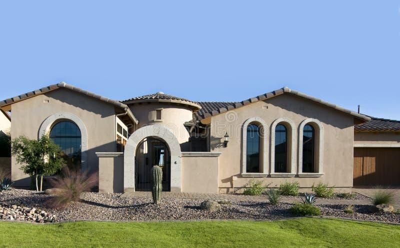 Grande exterior novo da HOME foto de stock