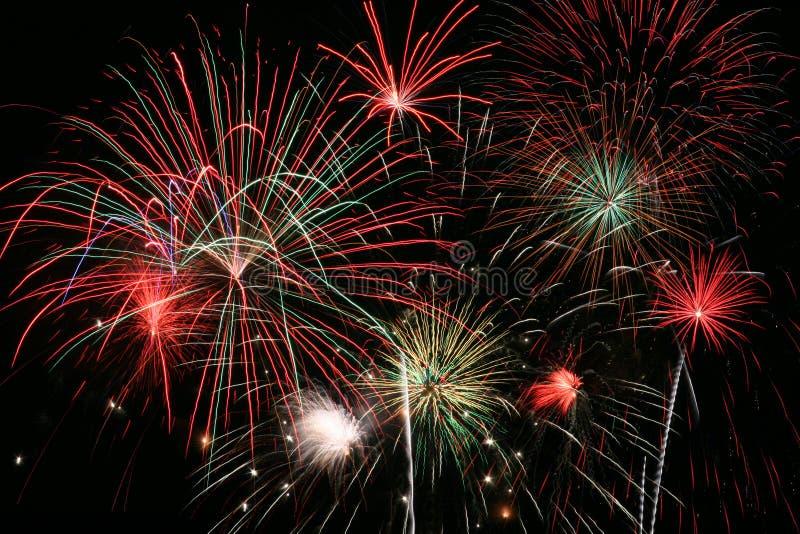Grande finale dei fuochi d'artificio immagine stock