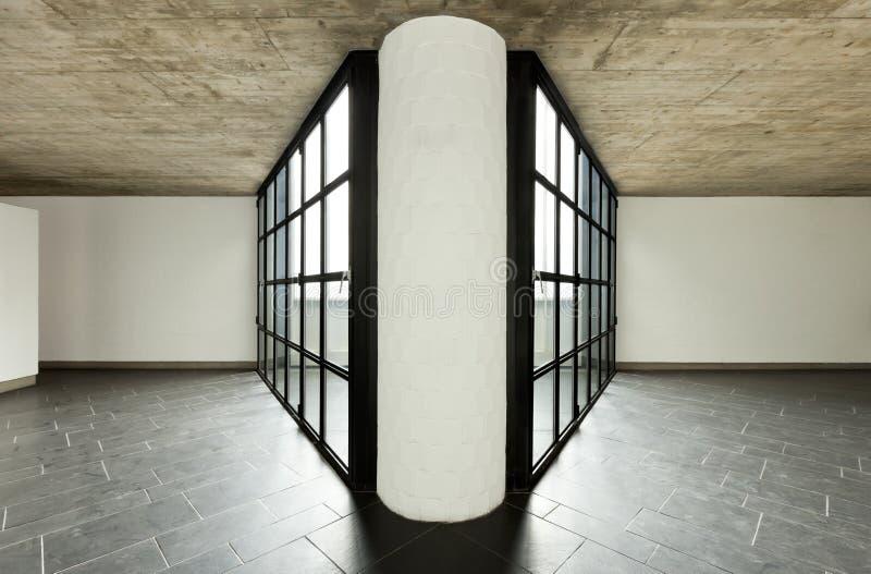 Grande finestra nella prospettiva con la colonna concentrare fotografia stock libera da diritti