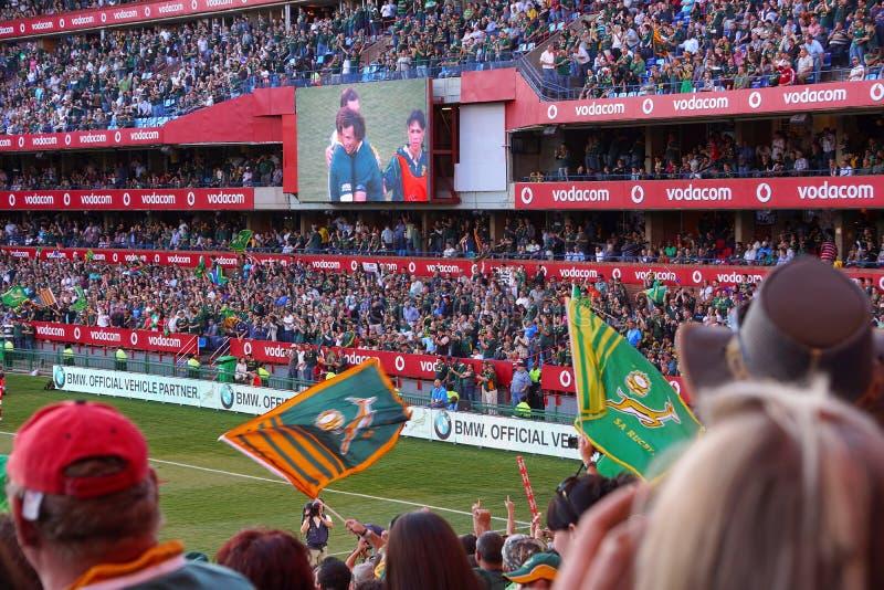 Grande folla alla partita di rugby fotografie stock