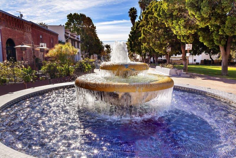 Grande fontana messicana Ventura California delle mattonelle immagine stock libera da diritti