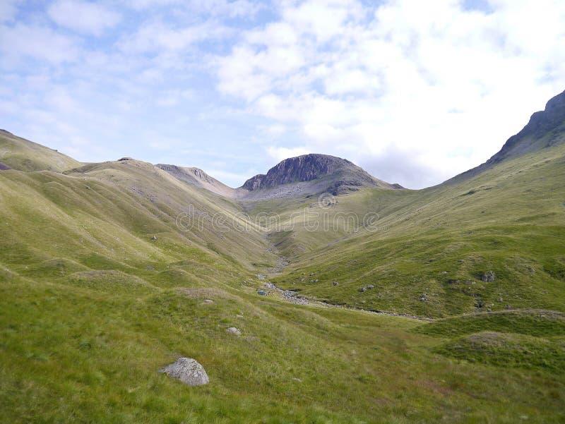 Grande frontão visto do vale de Ennerdale imagem de stock