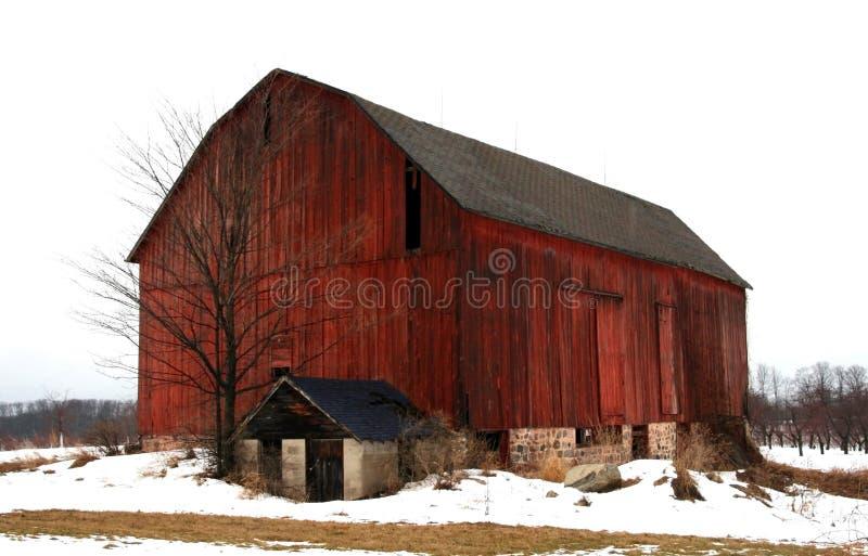 Grande granaio rosso fotografia stock libera da diritti