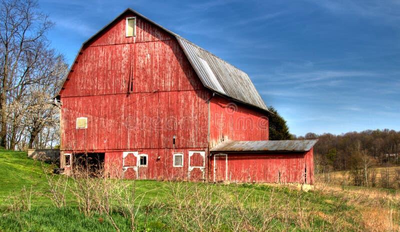 Grande granaio rosso fotografia stock