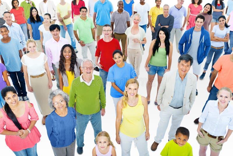 Grande grupo de pessoas foto de stock