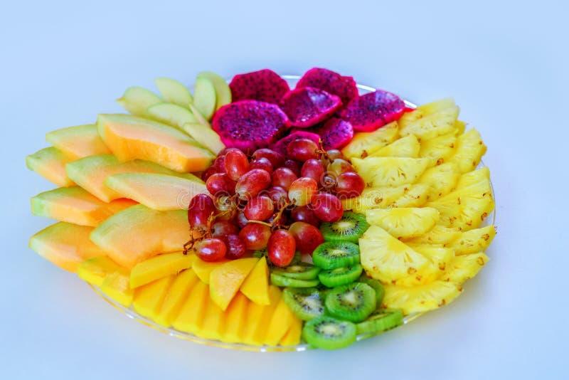 Grande ideia colorida, saudável dos alimentos para a boa nutrição, presente das vitaminas por feriados Bandeja do fruto Configura imagens de stock royalty free