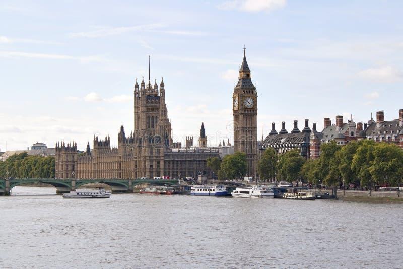 Grande il ponticello di Westminster e del Ben a Londra fotografia stock