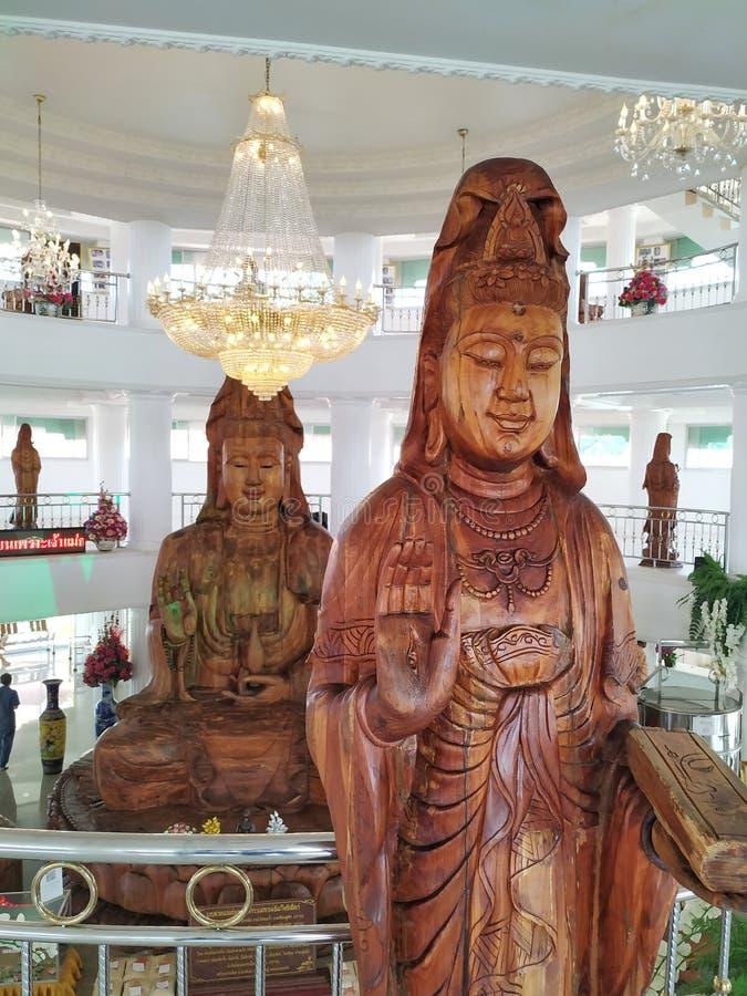 Grande Kuan Yin, intagliato con legno di buon auspicio fotografia stock libera da diritti