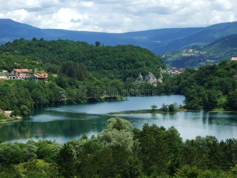 Grande lago na Bósnia imagem de stock
