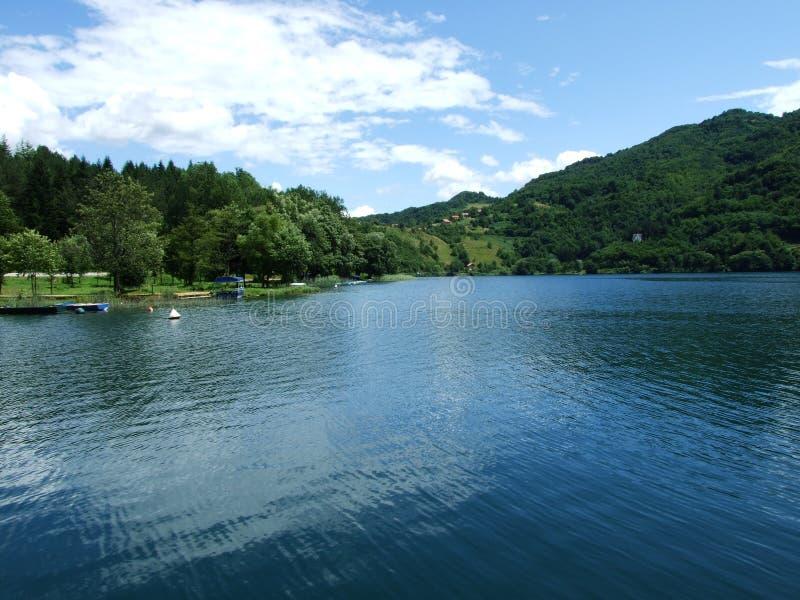 Grande lago na Bósnia foto de stock royalty free