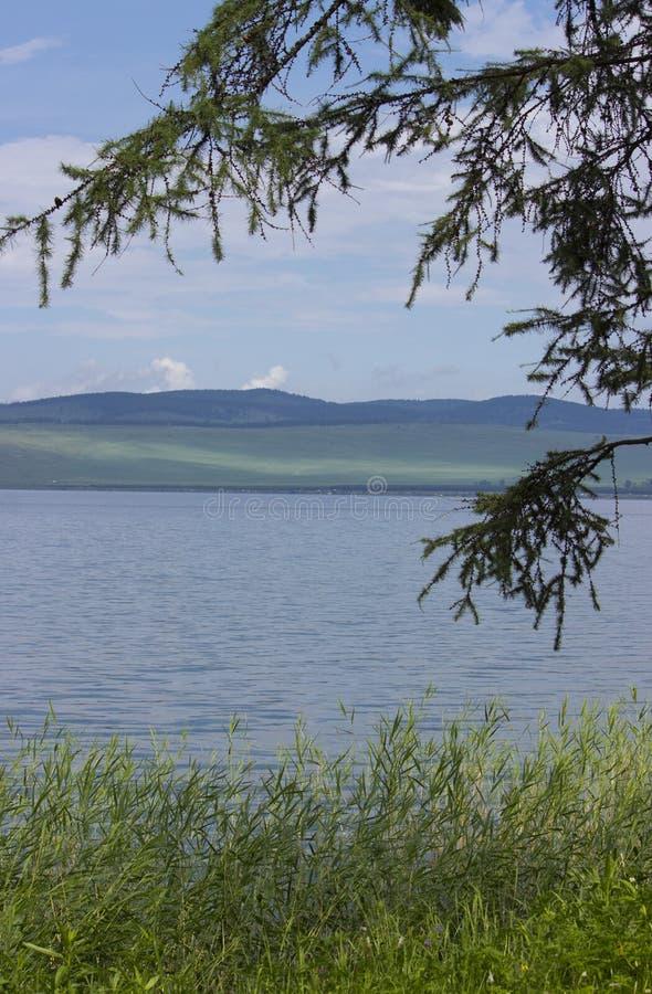Grande lago in Siberia fotografie stock
