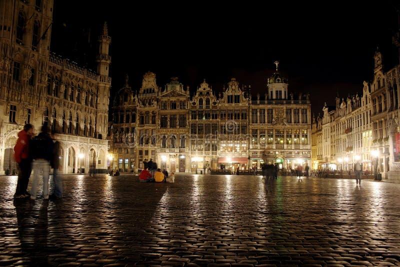 Grande lugar de Bruxelas na noite foto de stock royalty free