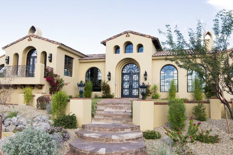 Grande maison classieuse images stock