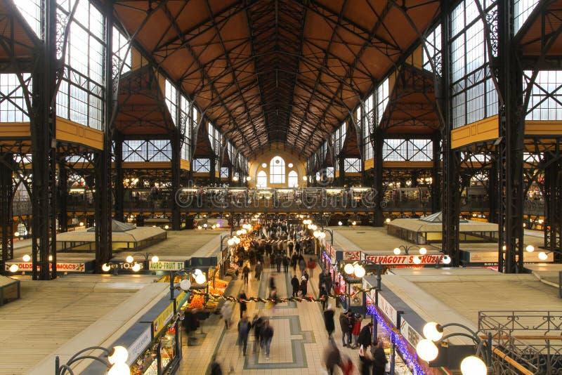 Grande mercato centrale Corridoio a Budapest immagini stock