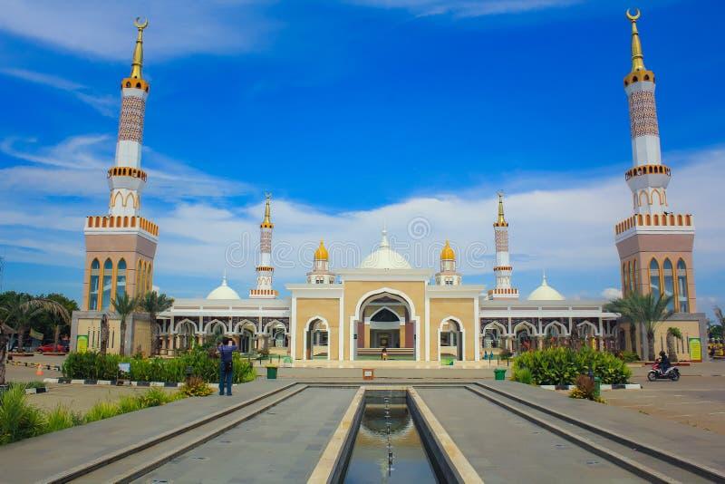 A grande mesquita de Indramayu Java Indonesia ocidental imagem de stock