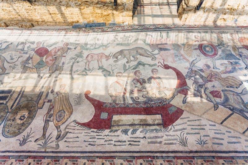 Grande mosaïque de chasse en villa Romana del Casale image stock