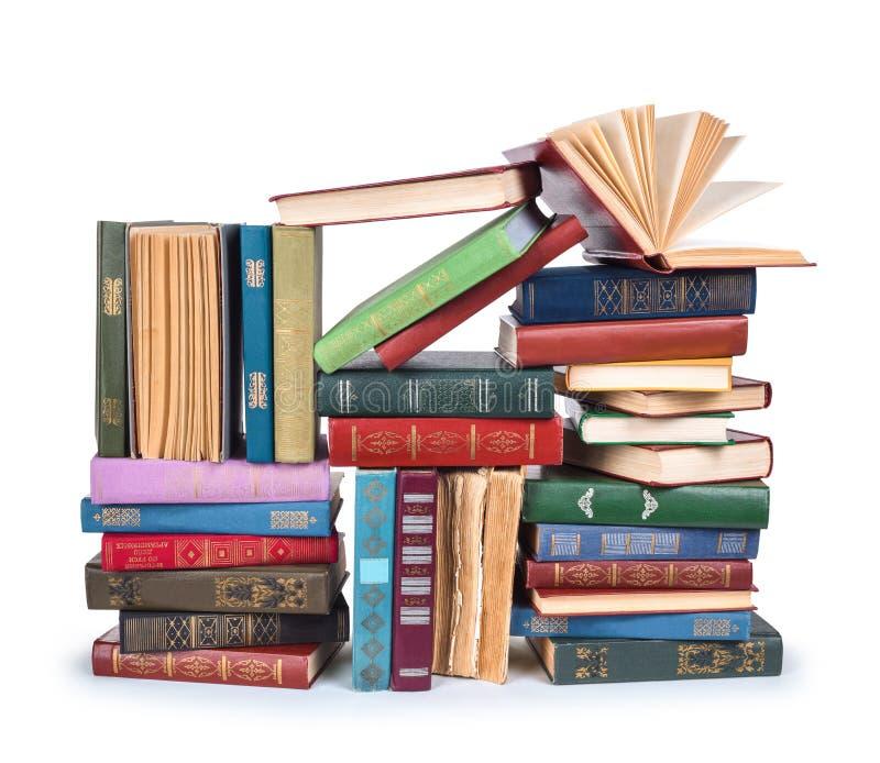 Grande mucchio dei libri d'annata con senza coperchio immagini stock libere da diritti
