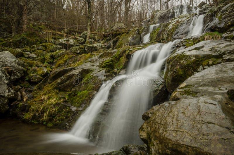 Grande multi cascata di punto in tempo piovoso fotografie stock libere da diritti